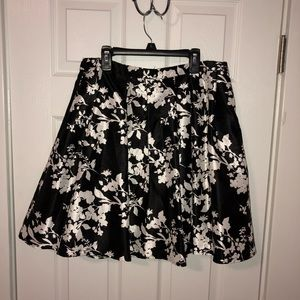 Black & White Floral Mini
